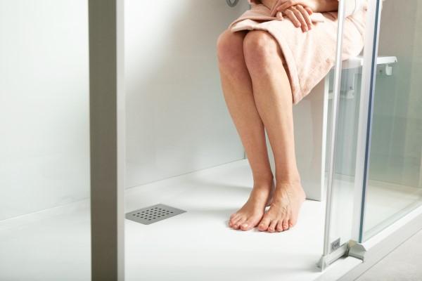 Duschen im Sitzen mit Klappsitz